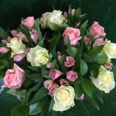 Букет Нежность с розами