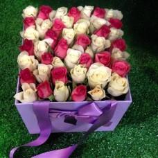 Квадратная коробка с розами