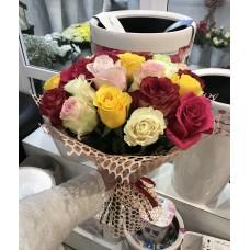 Букет 21 Яркая роза