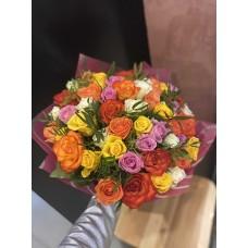 51 кенийская роза c зеленью и упаковкой