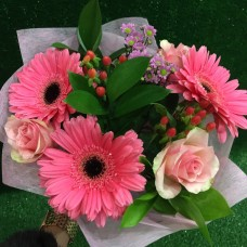 Розовый букет с герберами