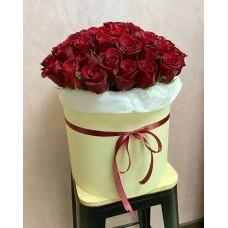 51 эквадорская роза в шляпной коробке