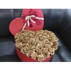 Сердце из золотых роз