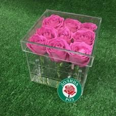 9 российских роз в прозрачной коробке