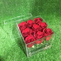 9 роз в прозрачной коробке