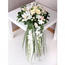 Изысканная композиция с орхидеями